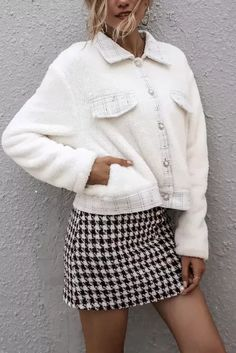 Turn-down Collar Sleeve Style Regular Sleeve Length - #coatsforwomen #coatsforwomenwinter #coatsforwomencasual #coatsforwomenclassy #coatsforwomenclassyelegant #coatsjackets #coatsjacketswomen #coatsforwomen2020 #coatsforwomen2020fashiontrends #streettide Cold Weather Fashion, White Plaid, Coats For Women, Sleeve Styles, Womens Fashion, Fashion Trends, Mini Skirts, Winter Jackets, Pullover