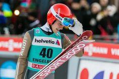 Skispringer Stephan Leyhe beim FIS Skispringen Weltcup in Engelberg / Schweiz   Bildjournalist Kassel http://blog.ks-fotografie.net/pressefotografie/fis-skispringen-engelberg-schweiz-fotografiert/