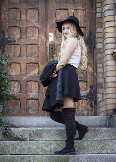 LINNEA SJÖVALL - Fashion, blonde, curls, black, overknee, boots, style, hat, coat