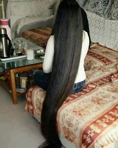 Tips For Changing Your Hairstyle – Hair Wonders Long Silky Hair, Super Long Hair, Smooth Hair, Big Hair, Beautiful Long Hair, Gorgeous Hair, Long Hair Drawing, Long Auburn Hair, Playing With Hair