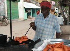 #BananaChips #Street #Food #India #ekPlate #ekplatebananachips Banana Chips, Street Food, Spicy, India, Snacks, Goa India, Appetizers, Treats, Indie