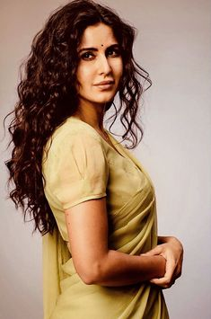 Guess who tops TOP EARNING Actresses list? With Deepika Padukone and Anushka Sharma not having a release in 2019 and Priyanka Chopra featuring in a solitary non-mainstream film, the ground was wide open for many actresses to make their mark. Katrina Kaif Wallpapers, Katrina Kaif Images, Katrina Kaif Hot Pics, Vintage Bollywood, Bollywood Girls, Bollywood Actress, Katrina Kaif Bikini Photo, Katrina Kaif Photo, Indian Actress Photos