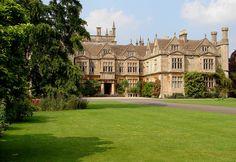 Image de architecture, manor, and stone English Manor Houses, English Castles, English House, English Architecture, Beautiful Architecture, Beautiful Castles, Beautiful Buildings, Castle House, Le Palais