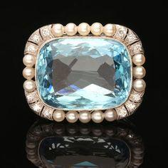 EARLY 20TH CENTURY.Circa 1920.A beautiful aquamarine, pearl and diamond brooch