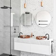 The renovation of this bathroom in this Melbourne terrace perfectly marries Victorian features with newer accents to create fluidity. Featured in the current issue of Belle-on sale now! Photographed by Dan Hocking. Interior Designer: Studio 103. @_danhocking_ @studio103ptyltd #bellemagazineau #bellemagazine #interior #design #australianinteriordesign