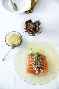 Homemade Mayonnaise, Laksa, Delicious Dinner Recipes, Camembert Cheese, Salmon, Avocado, Gluten, Meals, Cooking