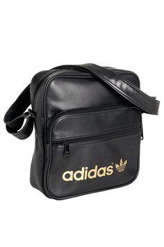58d90c75a798 Adidas Originals Adidas Originals Adicolor Sir Bag  muita värejä voi myös  ehdottaa  Voi