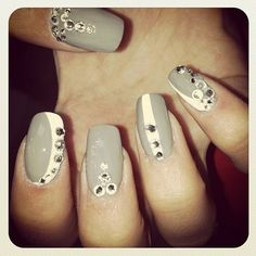 Rita Ora shows off her Swarovski manicure #sparklinginspiration