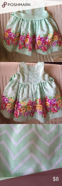 Adorable 12 mo Dress Really cute dress with matching bloomers! My daughter wore it for Easter. There is a little bit of pilling in the fabric as shown in picture #3.  Other than that, it's in great used condition! American Princess Dresses