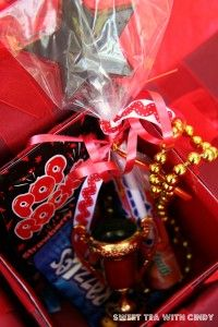 Gift Box – for our red carpet party? – Presents for girls Hollywood Birthday Parties, 9th Birthday Parties, Hollywood Party, Sweet 16 Birthday, 16th Birthday, Golden Birthday, Birthday Ideas, Red Carpet Theme Party, Red Carpet Event
