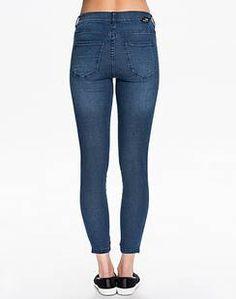 Jeans och jeansskjortor – så stylar du blåtyget   Fashion News   The You Way   Aftonbladet