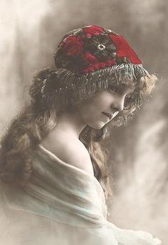 Free images for you! Vintage Children Photos, Vintage Pictures, Vintage Images, Vintage Art, Vintage Gypsy, Vintage Girls, Vintage Beauty, Antique Photos, Vintage Photographs