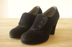 Hey, I found this really awesome Etsy listing at https://www.etsy.com/listing/235066996/buttoned-shoes-1940s-black-suede-heels