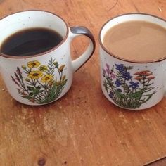 the scene in princess diaries 1 when Clarisse visits the fire station, Helen serves tea in mismatched mugs, and she just kinda wipes the rim of the cup and the table bc ew peasant germs Coffee Time, Tea Time, Coffee Cups, Tea Cups, Tassen Design, Cute Mugs, Coffee Shop, Tea Party, Sweet Home