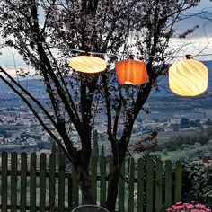 an accessory designed by a cable which allows the application of small and medium Ideal to give a touch of to the most various locations. Light Building, Outdoor Projects, Smart Home, Lampshades, Lighting Design, Table Lamp, Elegant, Cable, Touch