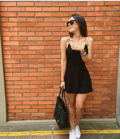 Pretinho básico - Looks de arrasar - You are in the right place about outfits with leggings Here we offer you the most beautiful pictur - Hipster Outfits, Stylish Outfits, Fashion Outfits, Womens Fashion, Fashion Hacks, Fashion Tips, Cute Dresses, Casual Dresses, Mein Style
