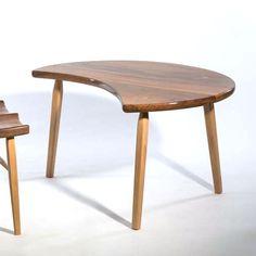 table tripode en noyer par c claeys vendue par baos concept store