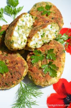 Kotlety z jajek (Kotlety jajeczne) Vegetarian Recipes, Cooking Recipes, Healthy Recipes, Bistro Food, Good Food, Yummy Food, International Recipes, Appetizer Recipes, Sandwiches