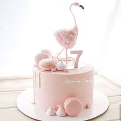 Hi, guys! Do you like flamingo cakes? 😍 I've found some beautiful flamingo cakes and want to share them here. Flamingo Cake, Flamingo Party, Cool Birthday Cakes, Birthday Cake Girls, Cute Cakes, Yummy Cakes, Cake Cookies, Cupcake Cakes, Blackberry Cake