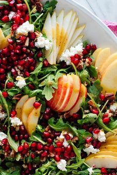 Pomegranate & Pear Green Salad w/Ginger Dressing - This gorgeous salad is bursting with flavor and fresh fruit! It will brighten up your holiday table. Pomegranate Salad, Pear Salad, Pomegranate Recipes, Fresh Ginger, Fresh Fruit, Granada, Green Salad Recipes, Winter Salad Recipes, Healthy Christmas Recipes