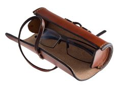 How to Create a Cylindrical Leather Case for Glasses