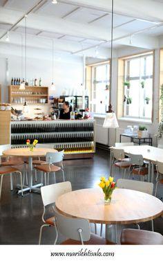 Valokuvaaja Mari Lehtisalo: Gumbostrand Konst & Form Budapest, Carpentry, Coffee Shop, The Neighbourhood, Woodworking, Bar, Modern, Table, Hungary