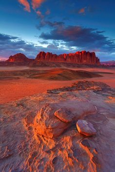 Wadi Rum Sunset - Getting Back To Nature Beautiful World, Beautiful Places, Beautiful Sites, Wadi Rum Jordan, Landscape Photography, Nature Photography, Jordan Travel, Nature Photos, Nature Nature
