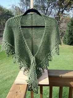 Ravelry: justfeltcreative's Ideal shawl. Love this!