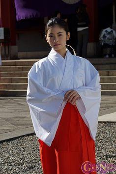 【画像】小芝風花 日枝神社の七五三広報大使に任命! 巫女姿に「気がすごく引き締められました」 11/11 - ライブドアニュース