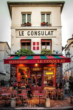 I've walked by this place so many times... Montmartre, Paris°°