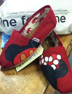 custom mickey and minnie toms. I want these!!!!