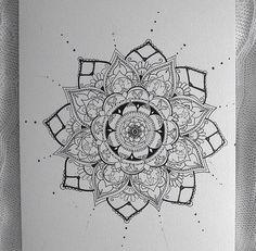 Henna design on paper Henna Doodle, Henna Art, Doodle Art, Henna Drawings, Art Drawings, Henna Designs Paper, Henna Kunst, Henna Style, Paper Drawing