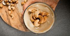 Domácí kešu máslo: Recept z pražených ořechů | Ochutnejorech.cz Peanut Butter, Food, Essen, Yemek, Meals