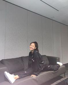 Black Pink Yes Please – BlackPink, the greatest Kpop girl group ever! Kpop Girl Groups, Korean Girl Groups, Kpop Girls, Blackpink Jennie, Blackpink Fashion, Korean Fashion, Street Fashion, K Pop, Melbourne