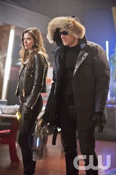 """The Flash -- """"Rogue Time""""- Image FLA116B_0275b -- Pictured (L-R): Peyton List as Lisa Snart and Wentworth Miller as Leonard Snart/Captain Cold -- Photo: Dean Buscher/The CW -- © 2015 The CW Network, LLC. All rights reserved.pn"""