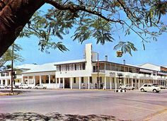 Umtali, Rhodesia (now Mutare, Zimbabwe) - Cecil Hotel Places To See, Places Ive Been, Out Of Africa, All Nature, Places Of Interest, Zimbabwe, Main Street, Homeland, Old Houses