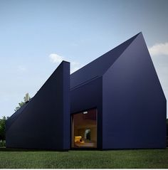 Rosamaria G Frangini | Architecture Houses | Moomoo architects. Black House