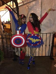 100 Halloween Costumes for Teens which are Charming & Smart - Ethinify disfraz superheroe Partner Halloween Costumes, Mom Costumes, Super Hero Costumes, Halloween Outfits, Halloween Cosplay, Costume Ideas, Disfraz Wonder Woman, Monster Inc Costumes, Kiss Costume
