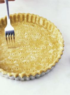 """3-Ingredient Super Simple Gluten-Free Pie Crust 1/2 C shortening / 1 1/2 C rice flour / 4 tbsp cold water 400* oven ~ cut shortening & flour until crumbly ~ add water a little at a time ~ Press dough in 8"""" pie pan into bottom & sides ~ use fork to prick bottom of crust ~ bake 12-15 minutes or until edges are golden brown"""