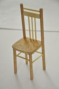 Изображение Barbie Furniture, Dollhouse Furniture, Furniture Ideas, Miniature Chair, Diy Dollhouse, Minis, Dining Chairs, Table, Home Decor