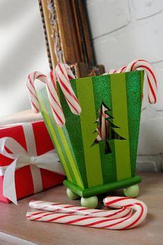 Sparkle candy cane holder. #Christmas #DIY