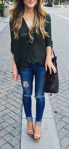 fall outfit ideas, simple fall outfit, olive tunic outfit, cute fall outfit, distressed denim, how to roll your jeans, casual transitional outfit, LV neverfull tote, tory burch neutral wedges, monogram necklace
