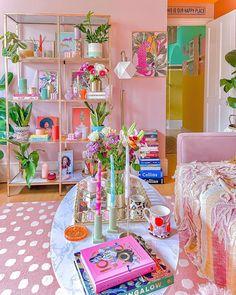 Rainbow House, Cute Room Decor, Crazy Colour, Eclectic Decor, Beautiful Interiors, House Colors, Room Inspiration, Loft Apartments, Bedroom Decor