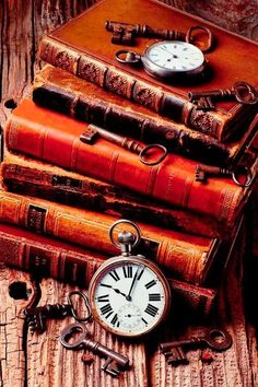 book aesthetic Old Books And Watches - Artist: Garry Gay Old Books, Antique Books, Vintage Books, Vintage Keys, Photos Of Books, Art Antique, Still Life Photography, Book Photography, Book Wallpaper
