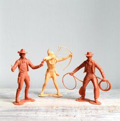 Vintage Cowboys and Indian Figures / ethanollie