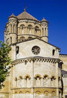 Romanesque church of Santa Maria la Mayor, in the town of Toro, Zamora.