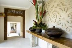 My dream entrance way! From Bali With Love: Indonesian Inspired Home Decor (From Bali With Love) carved wood entrance way perhaps the pop up tv console cane be created from a carved paneled piece. Balinese Interior, Balinese Decor, Asian Interior, Interior Exterior, Interior Design, Asian Home Decor, Diy Home Decor, Indonesian Decor, Bali Decor