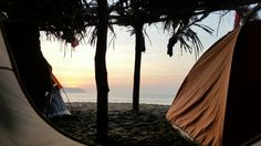 Waiting for sunrise | Playa Maruata, Michoacan, México | #landscape #beach #sand #ocean #sea #waves #dawn #sunrise #daybrek #sun #sky #clouds #cloudy #landscape_lovers #landscape_captures #palm_tree #palm #ramada #palapa #tent #camping #campinglife #outdoor #ourdoorlife #outdoors #outdoorphotography