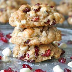 Oatmeal Cranberry-Walnut Cookies - http://recipeslite.com/2016/05/6smartpoints-oatmeal-cranberry-walnut-cookies/