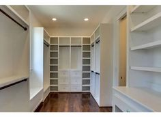 1209 Linden, nice closet space, with drawers